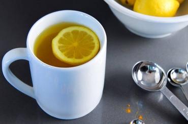 Uống nước nghệ ấm trong 365 ngày để cải thiện 10 vấn đề sức khỏe
